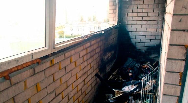 Клининг балкона после пожара